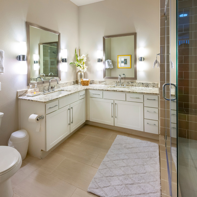 Large bathroom at Ascent at City Centre Apartments in Houston