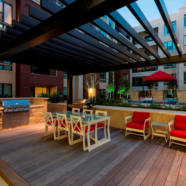 Outdoor courtyard lounge at Ascent at City Centre Apartments in Houston